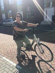 Femke op de fiets